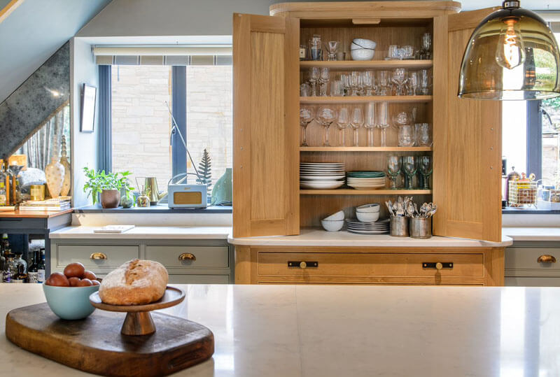 Bespoke cabinetry can make your farmhouse kitchen look amazing
