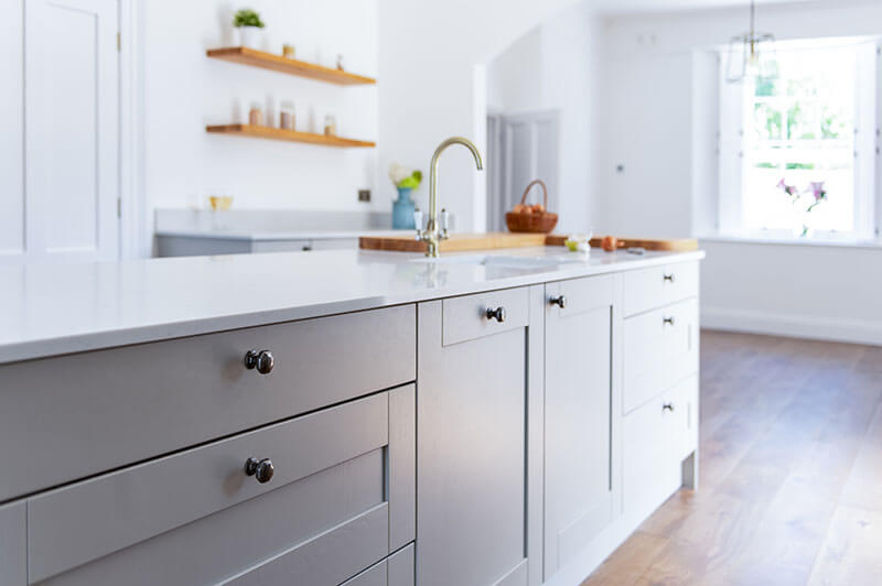 The kitchen units are fitted with Blum soft-close hinges for maximum luxury and Pewter cup handles for easy grip